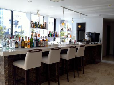 CAFE bar&brasserie LION様